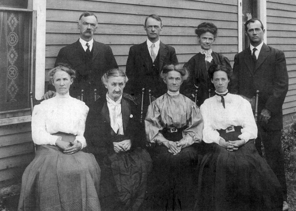 Harris Family_Leon IA_abt 1908